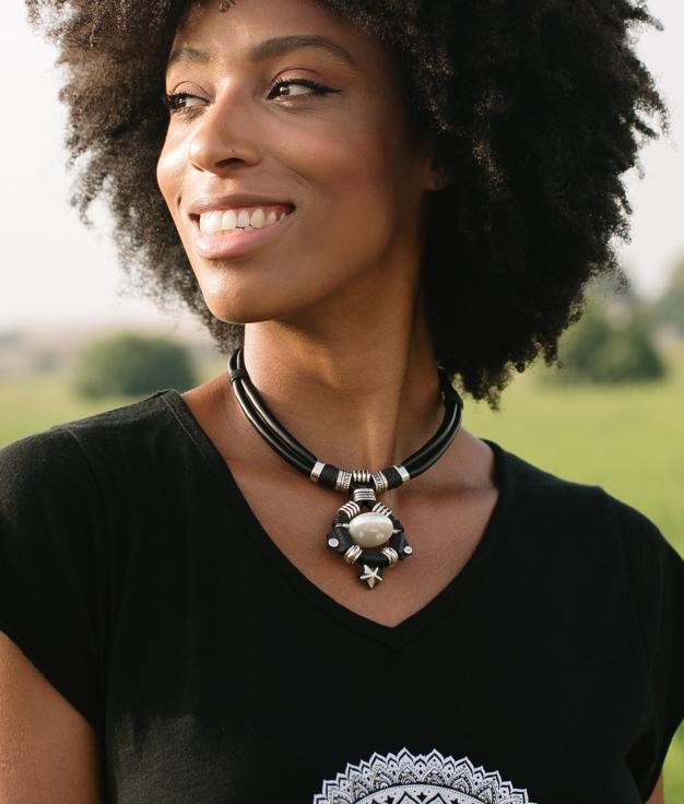 Necklace Chayna - Black