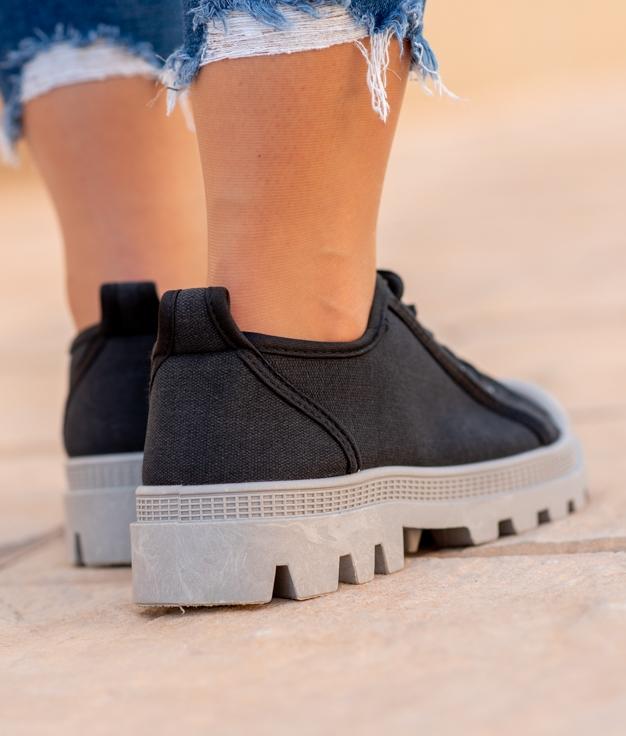 Sneakers Yuca - Preto