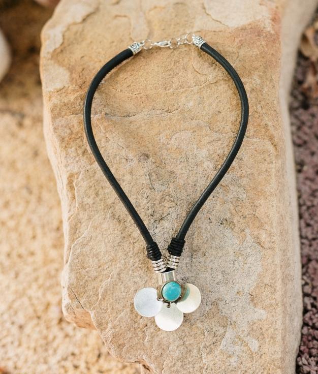 Necklace Adhara - Black