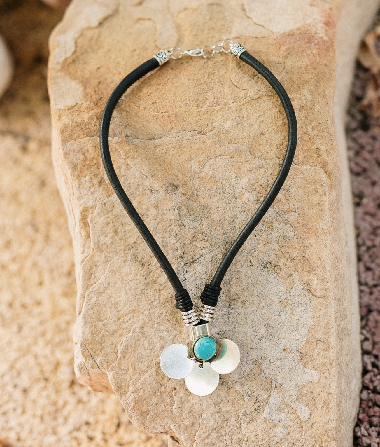 Necklace Adhara - Black