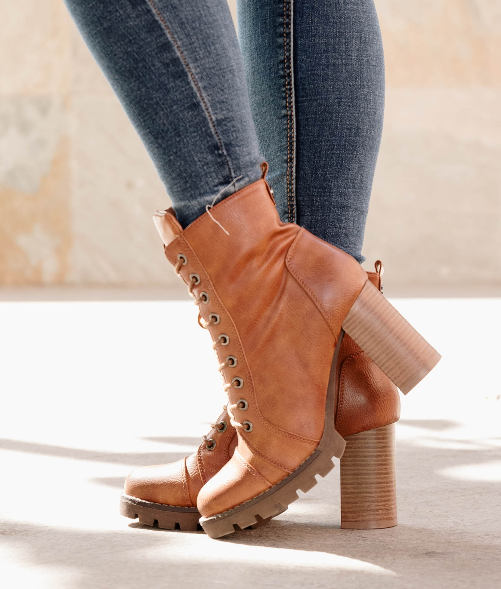 Low Boot Coners - Camel