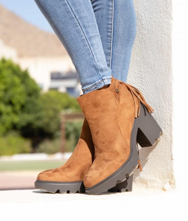 Low Boot Peram - Camel