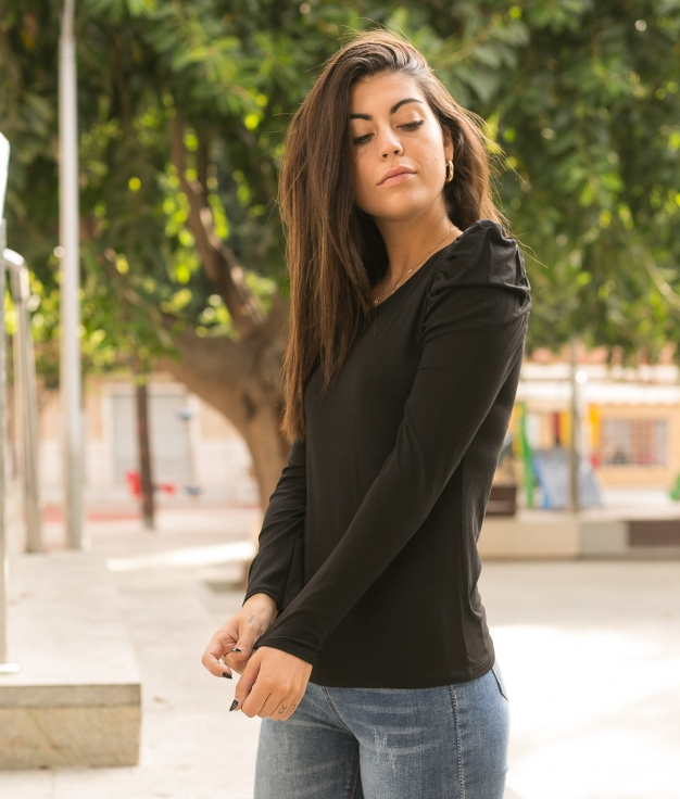 Camiseta Qaser - Negro
