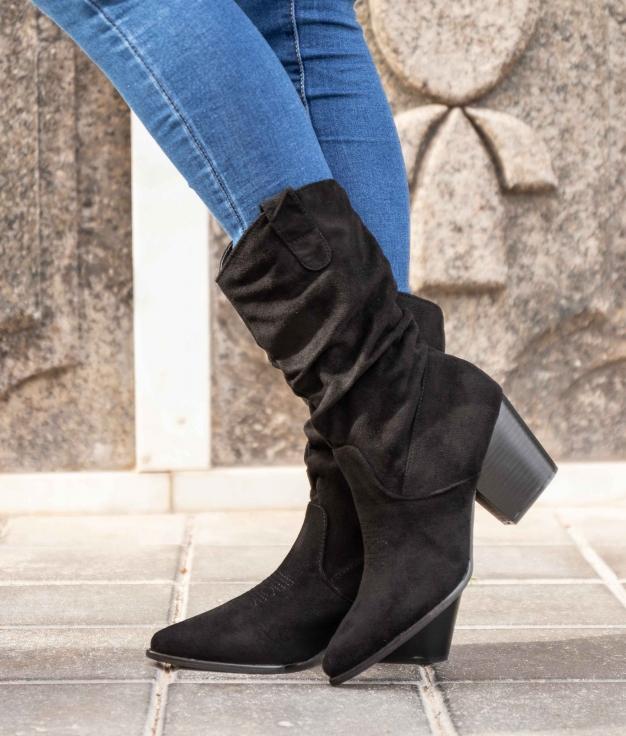 Low Boot Pompo - Black