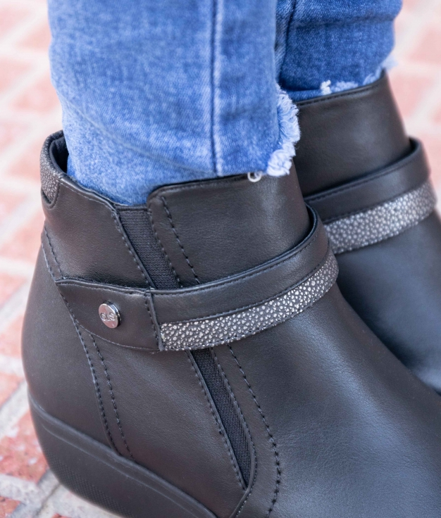 Low Boot Yrusta - Black