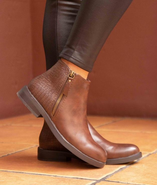 Low Boot Carton - Brown