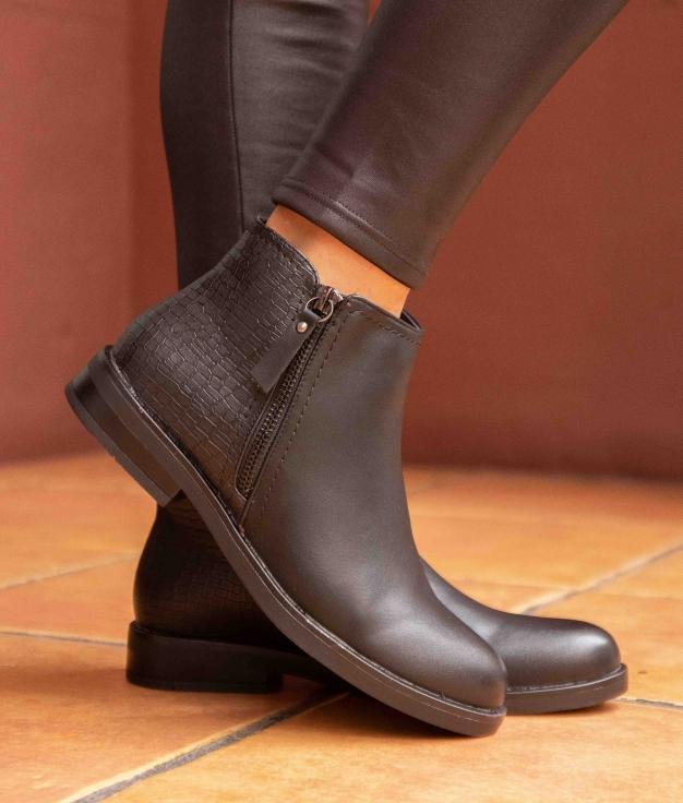 Low Boot Carton - Black