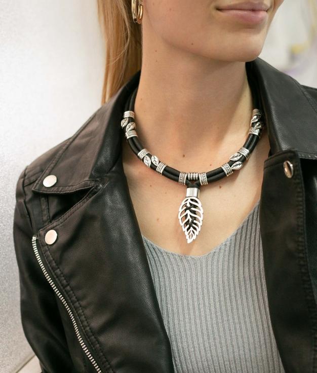 Necklace Tiaca - Black