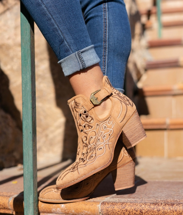Low Boot Yulena - Camel