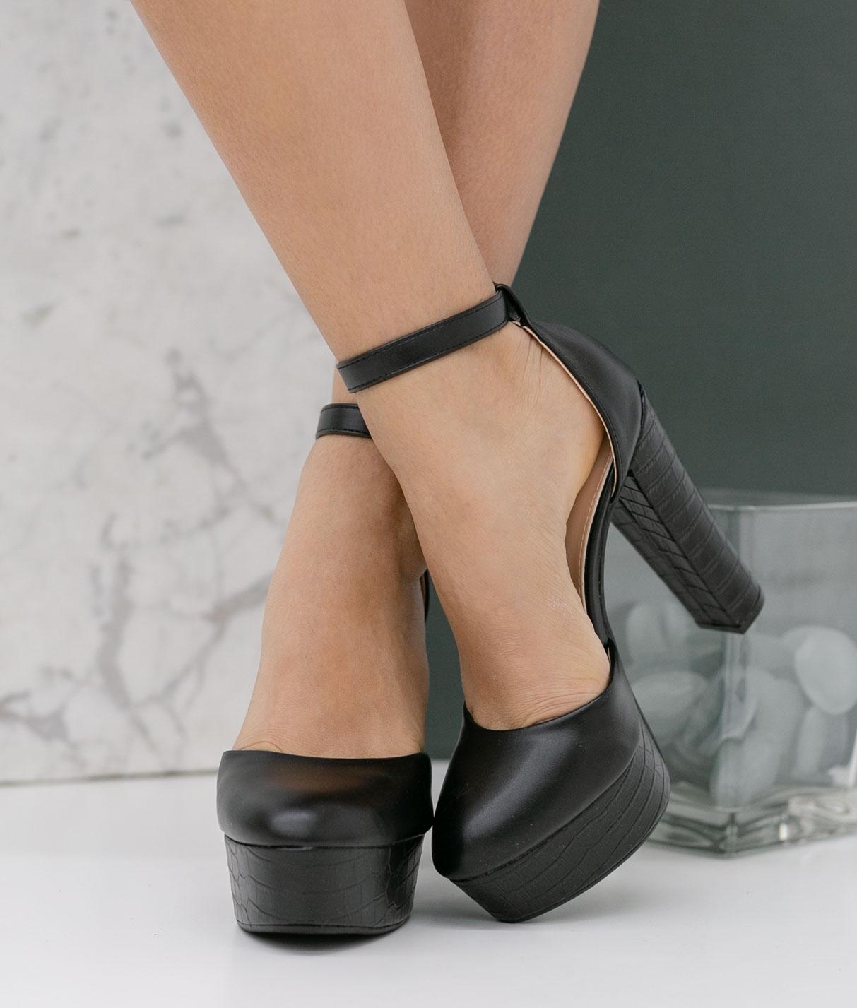 Zapato de Tacón Yanos - Negro