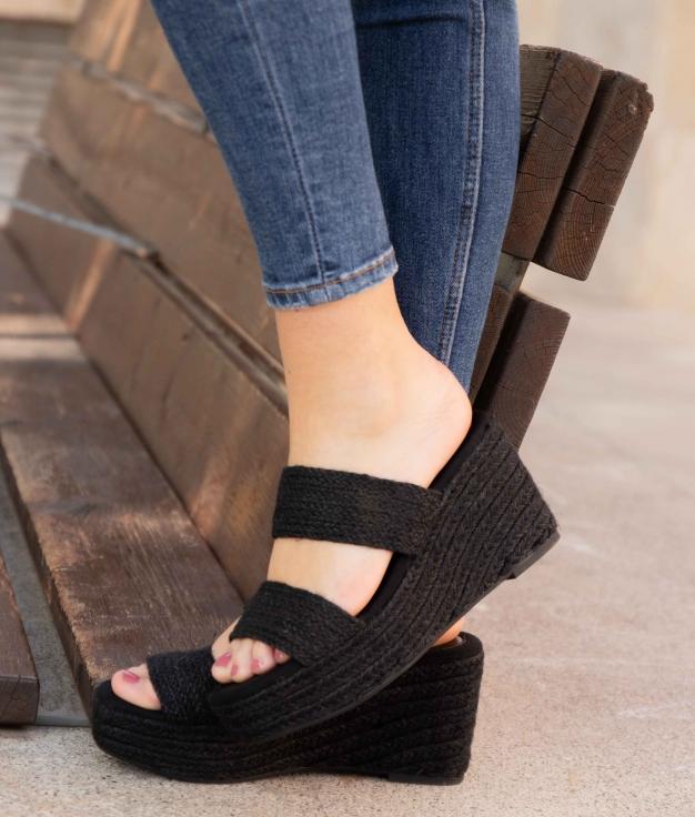 Wedge Heel Yuyet - Black