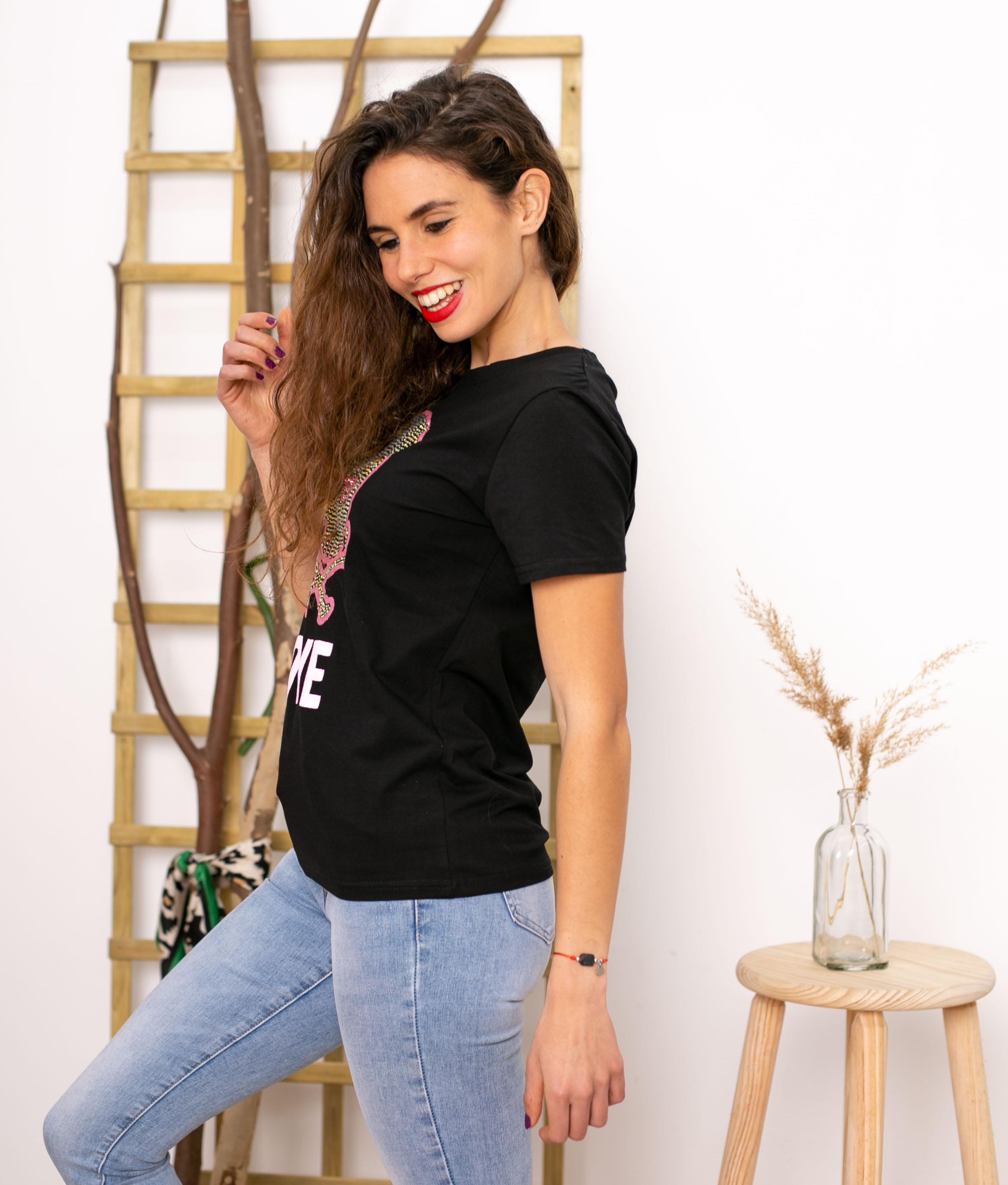 Camiseta Yenefer - Negro