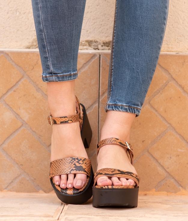 Sandália de Salto Rinea - Camelo