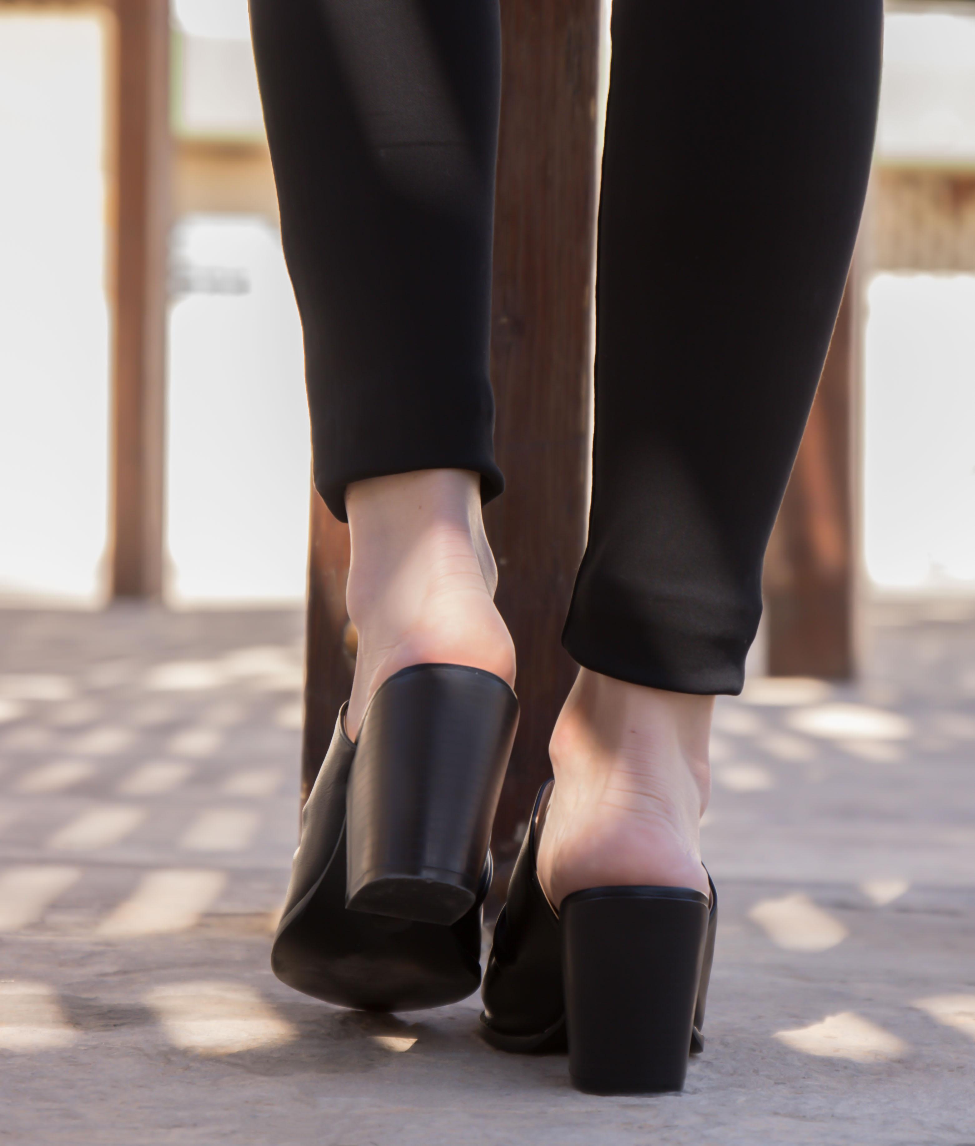 Zapato Mule Karey - Preto