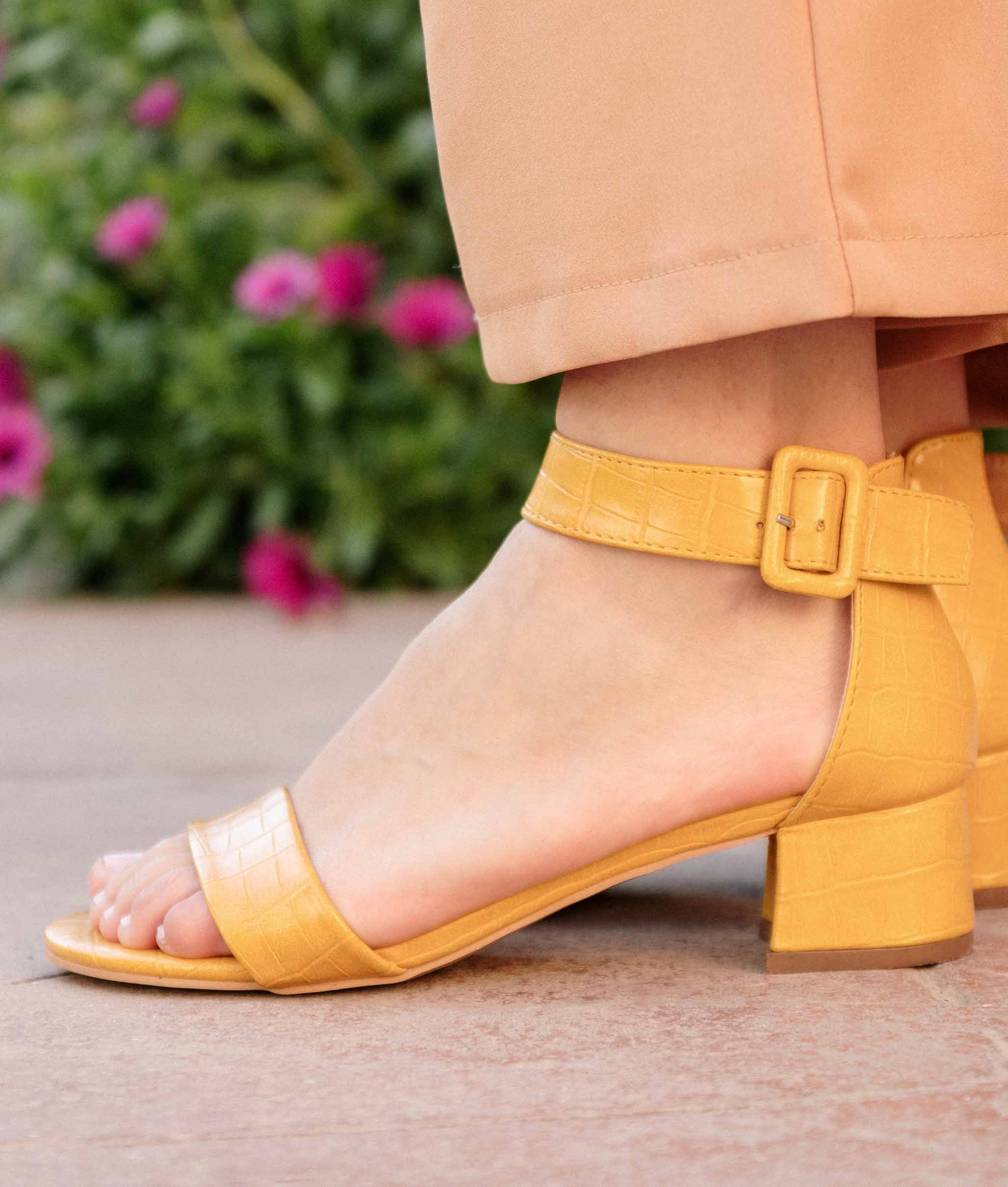 Sapato Scarpin Amarelo | Salto Alto | Calçados Diferente