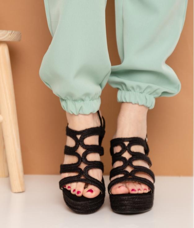 Wedge Heel Poky - Black