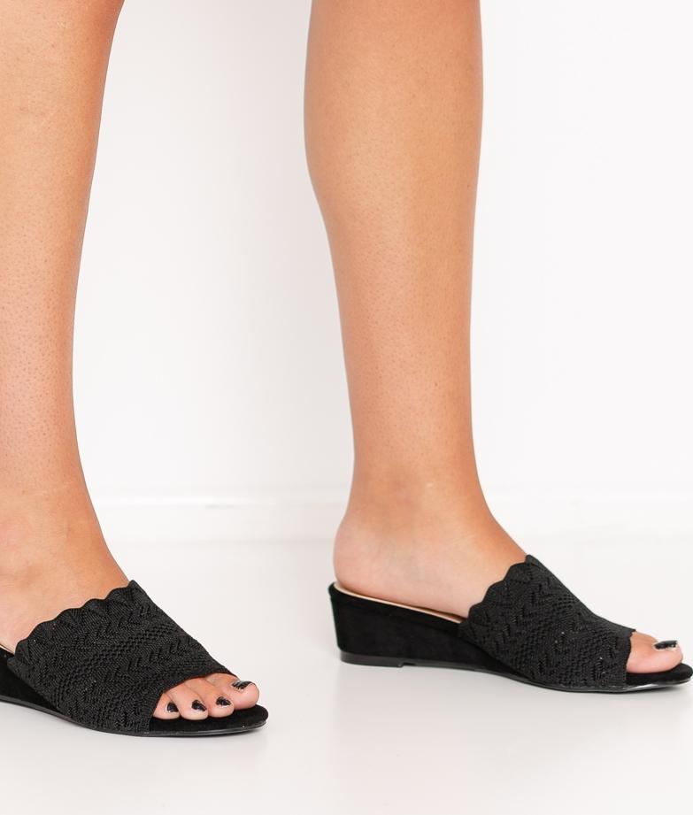 Wedge Heel Canter - Black