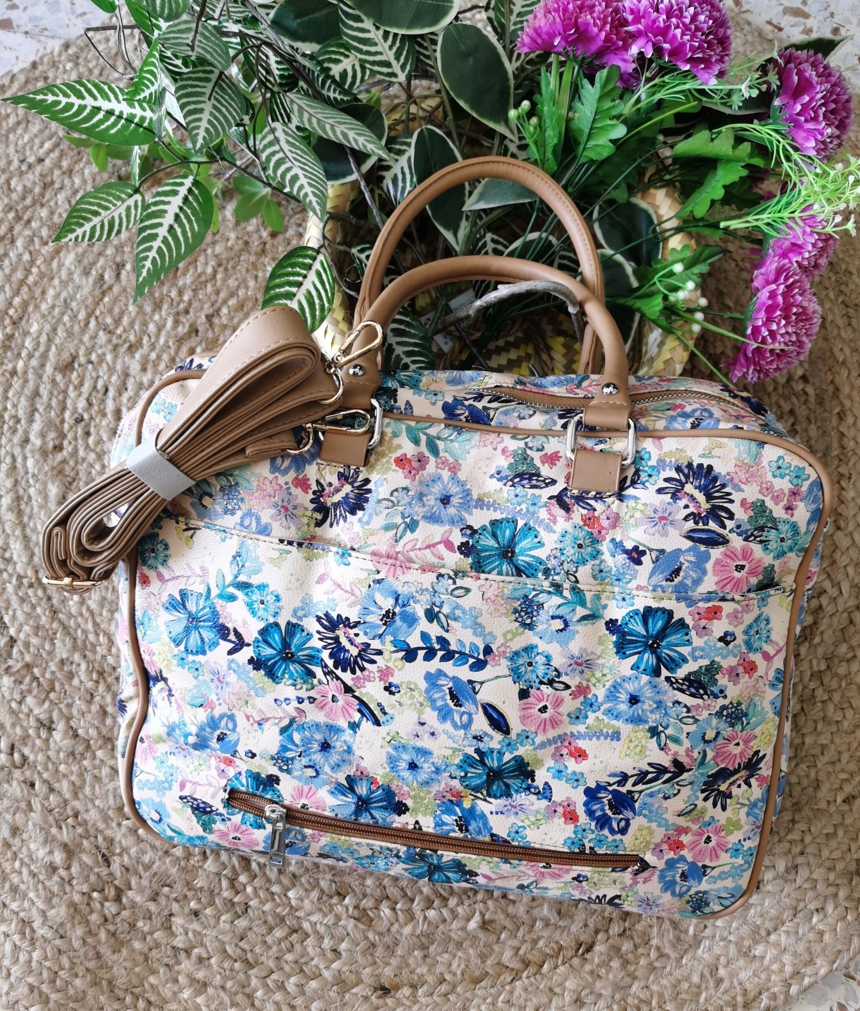 Briefcase Fantasy - Flowers