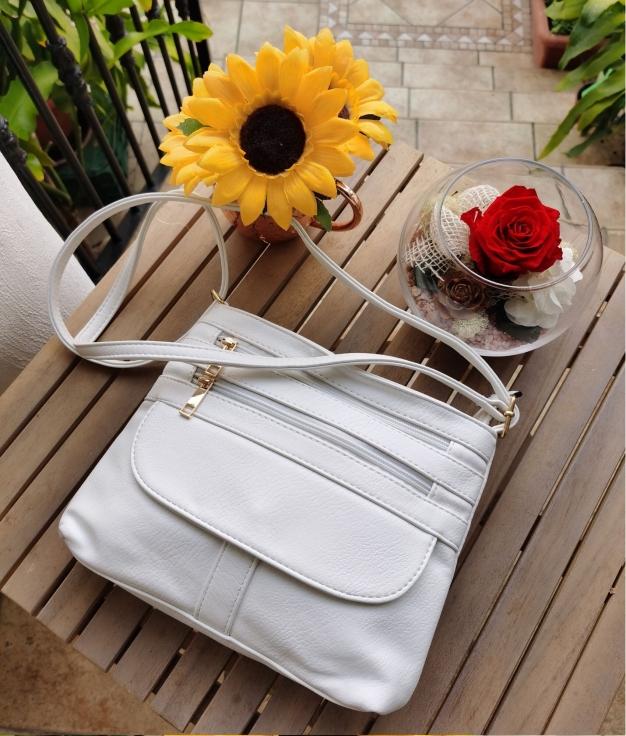Kiky shoulder bag - white