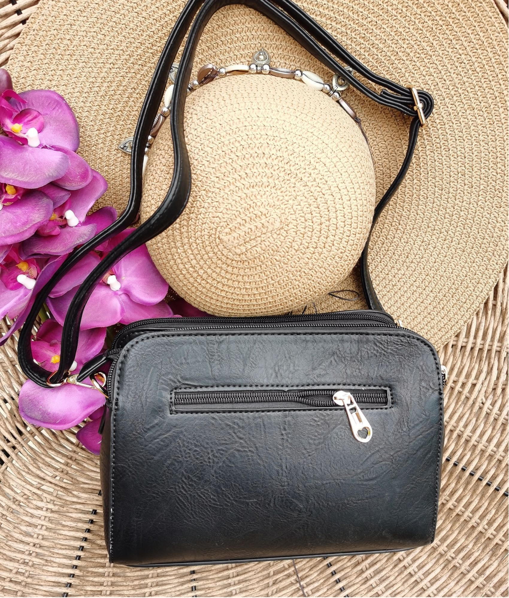 Shoulder Bag Roca - black