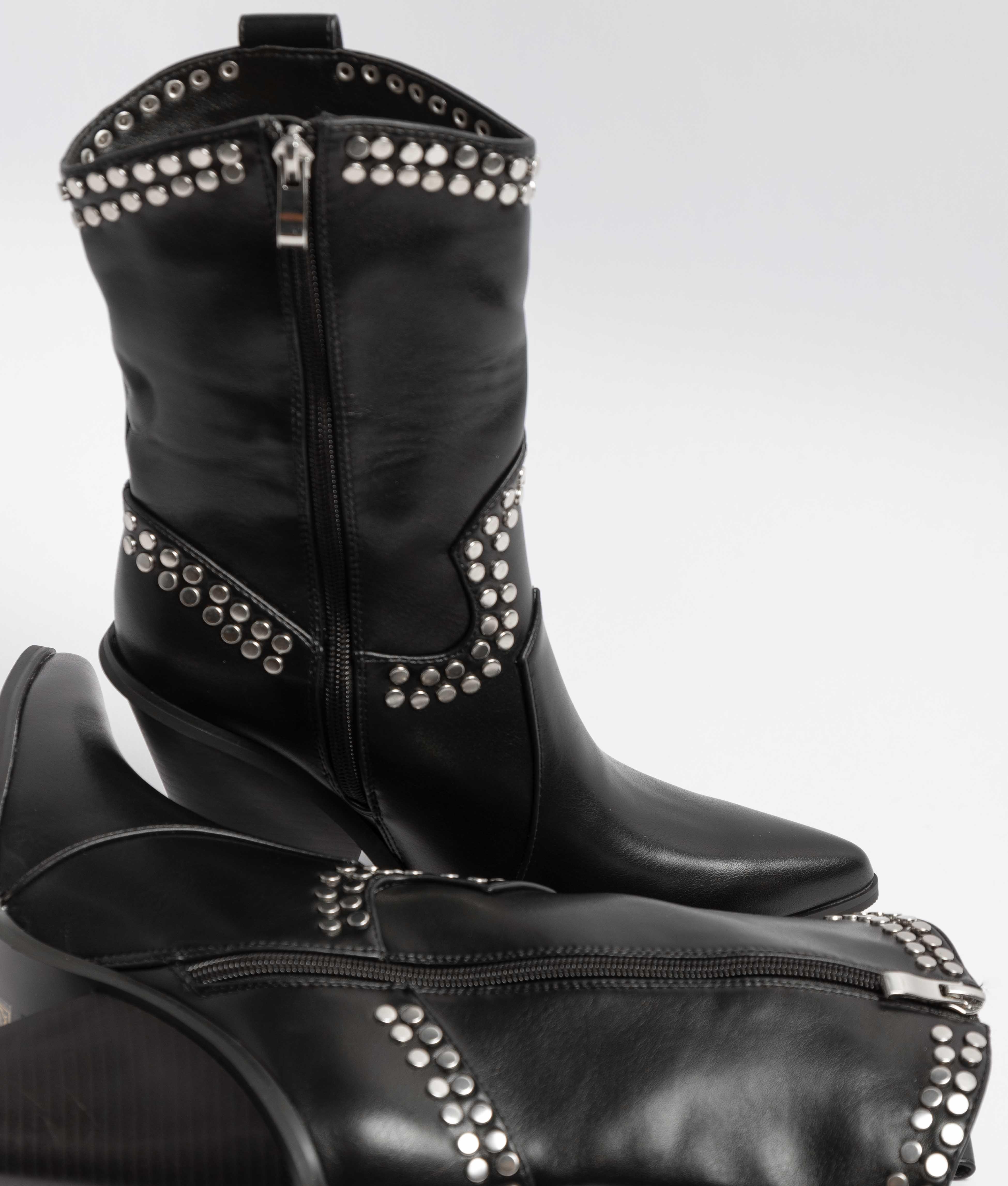 Low Boot Romea - Black