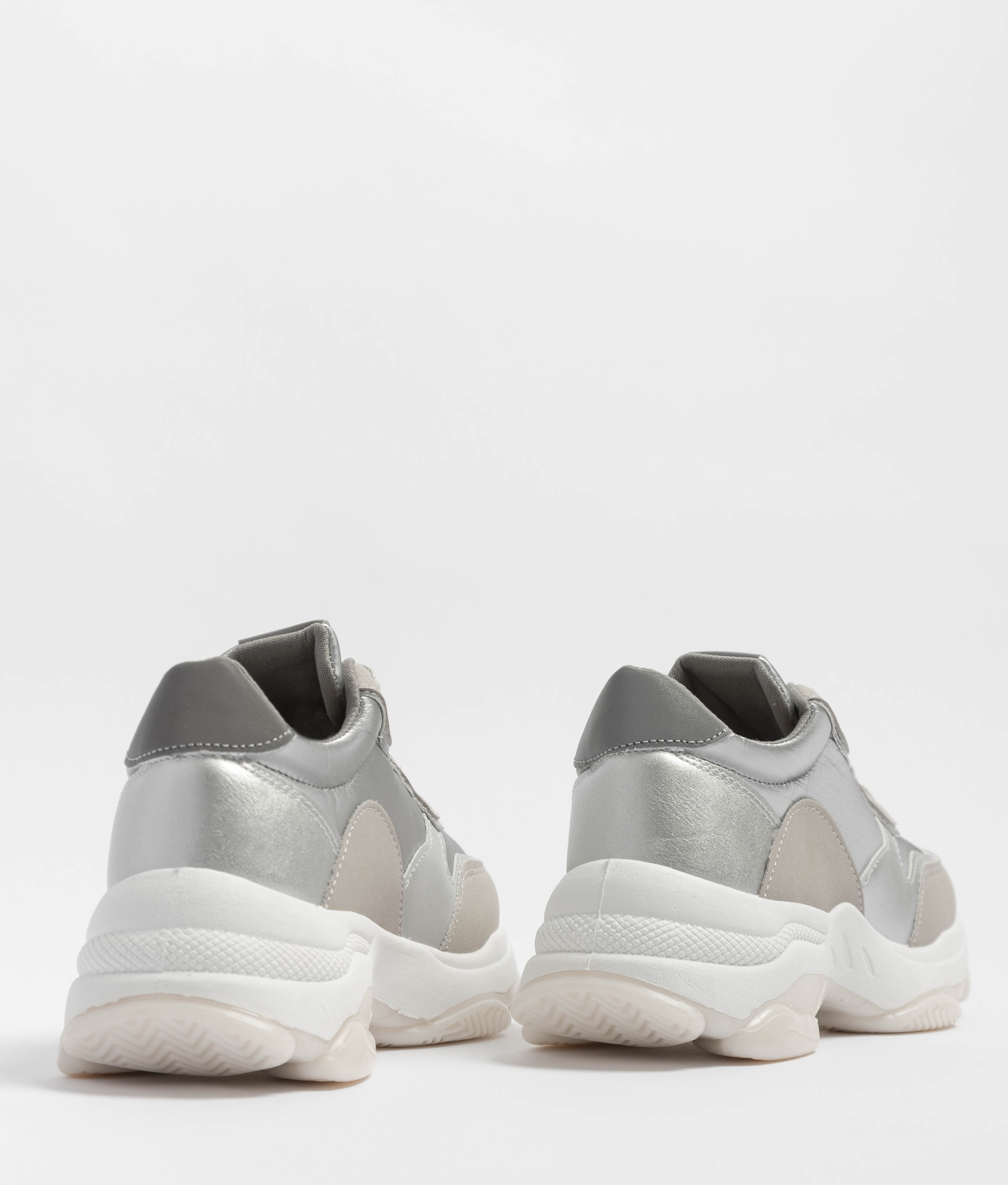 Sneakers Versus - Silver