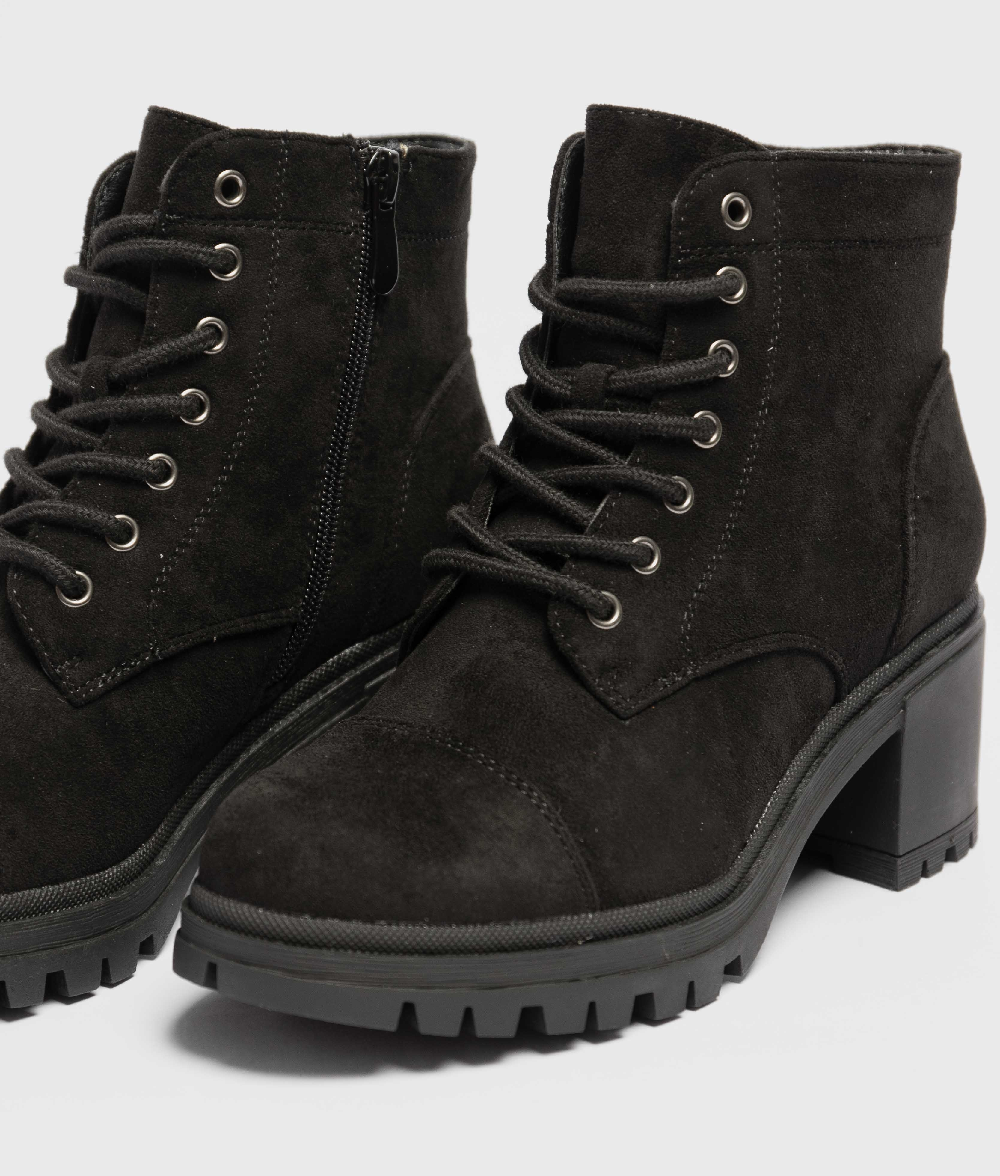 Low Boot Amica - Black Suede
