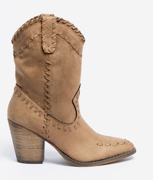 Croma Small Boot - Camel