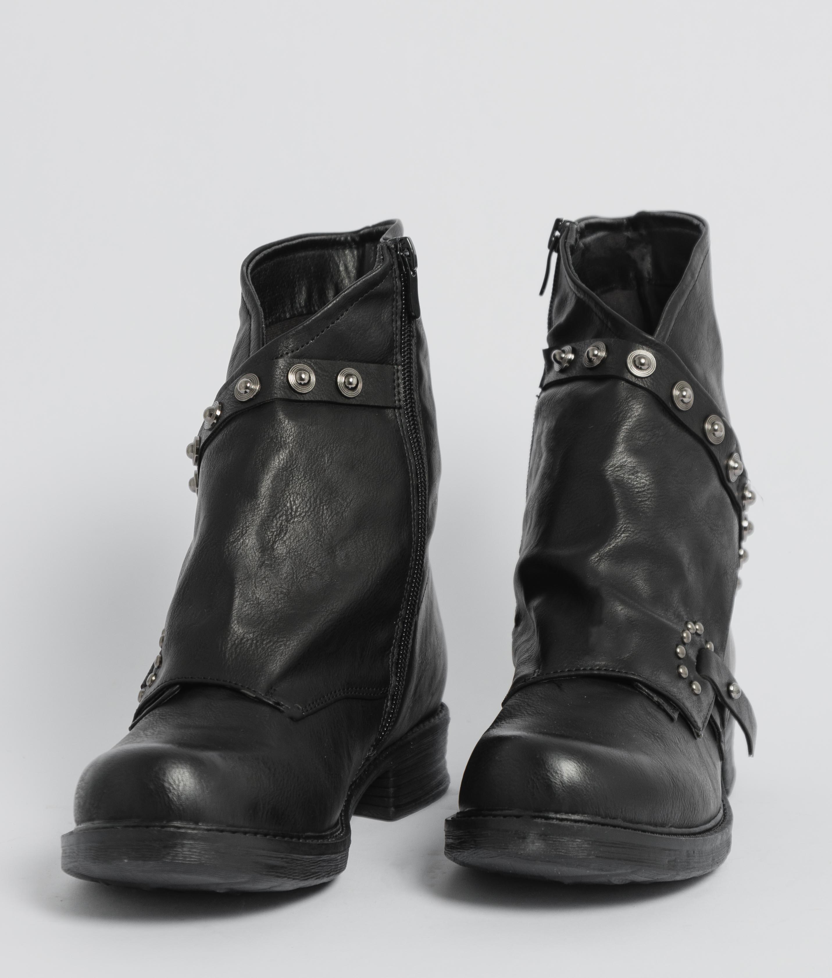 Bota Baja Amy - Negro