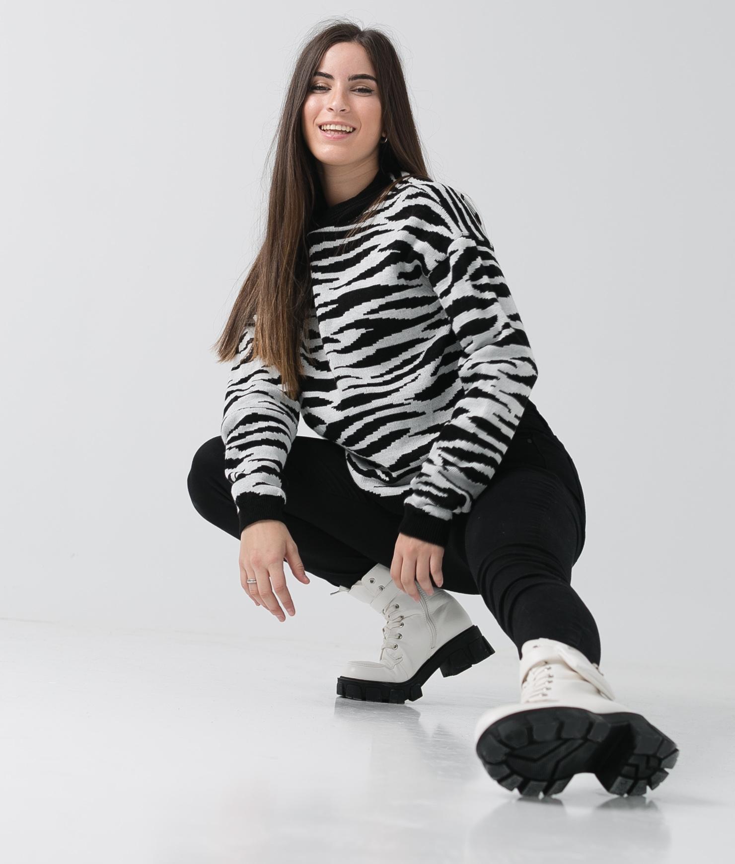 Sweater Basha - BLACK