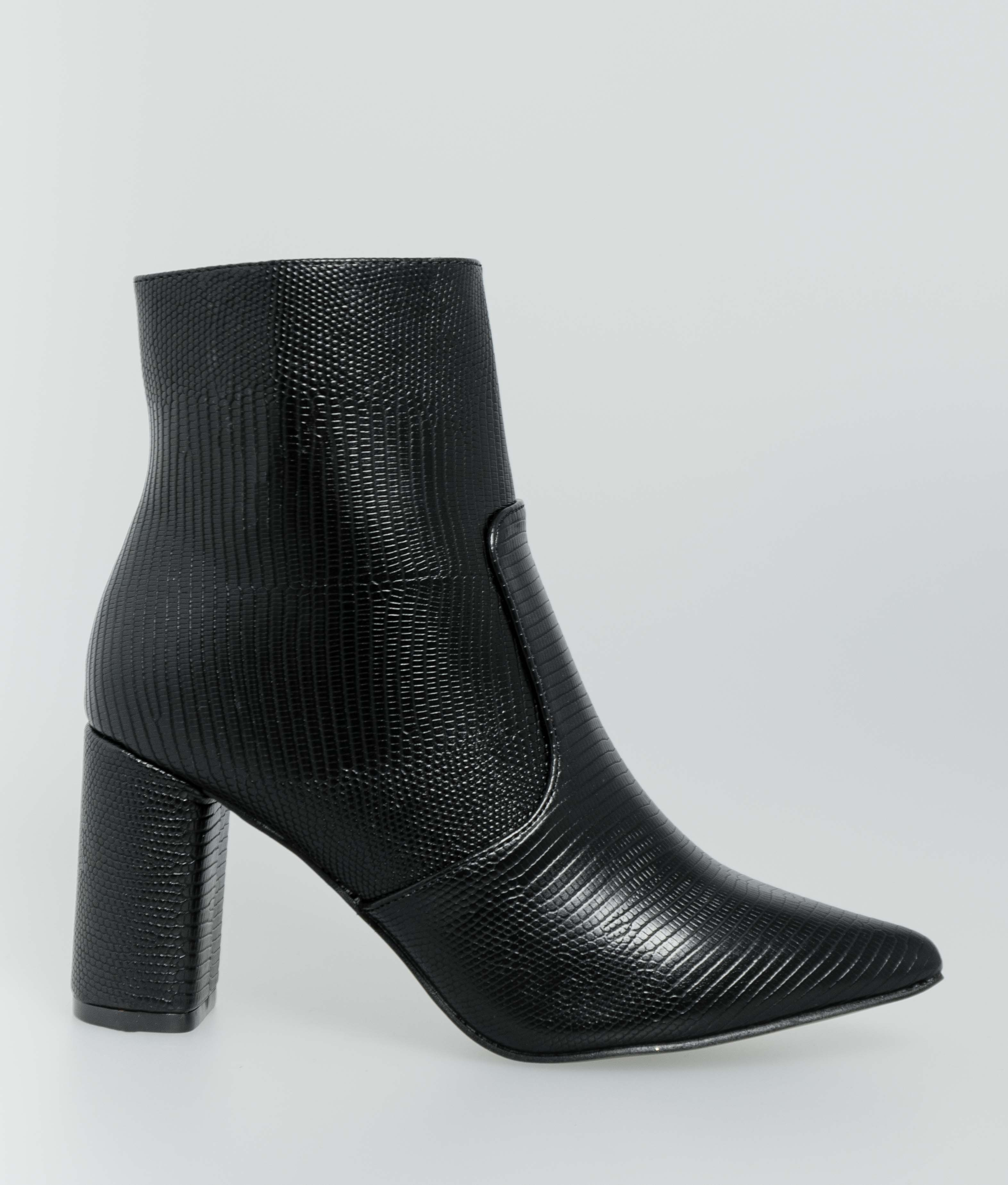 Low Boot Delany- Black