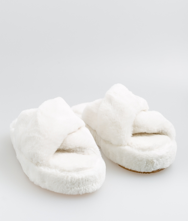 PIELA SLIPPERS - WHITE