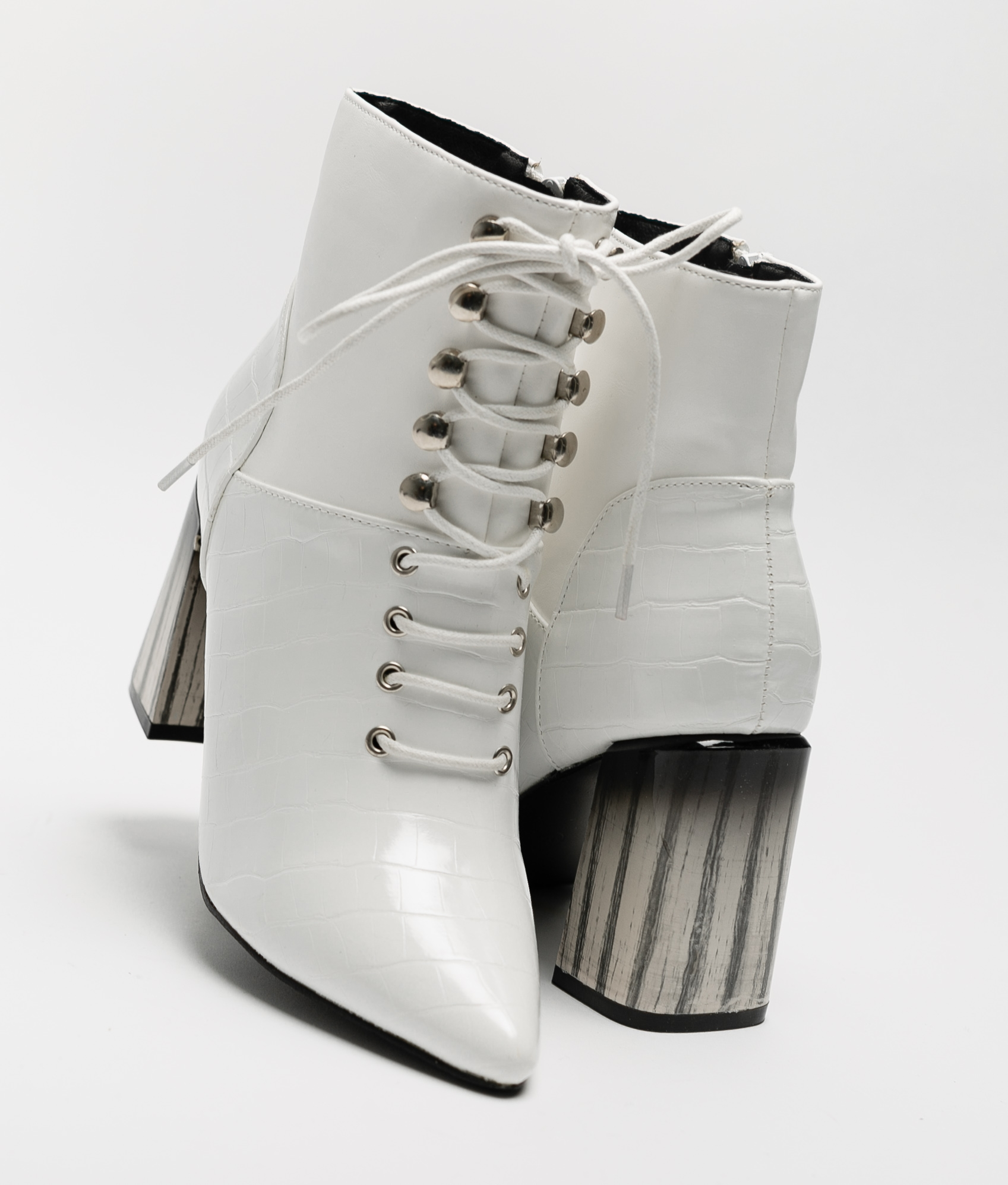 Low Boot Alatar - White