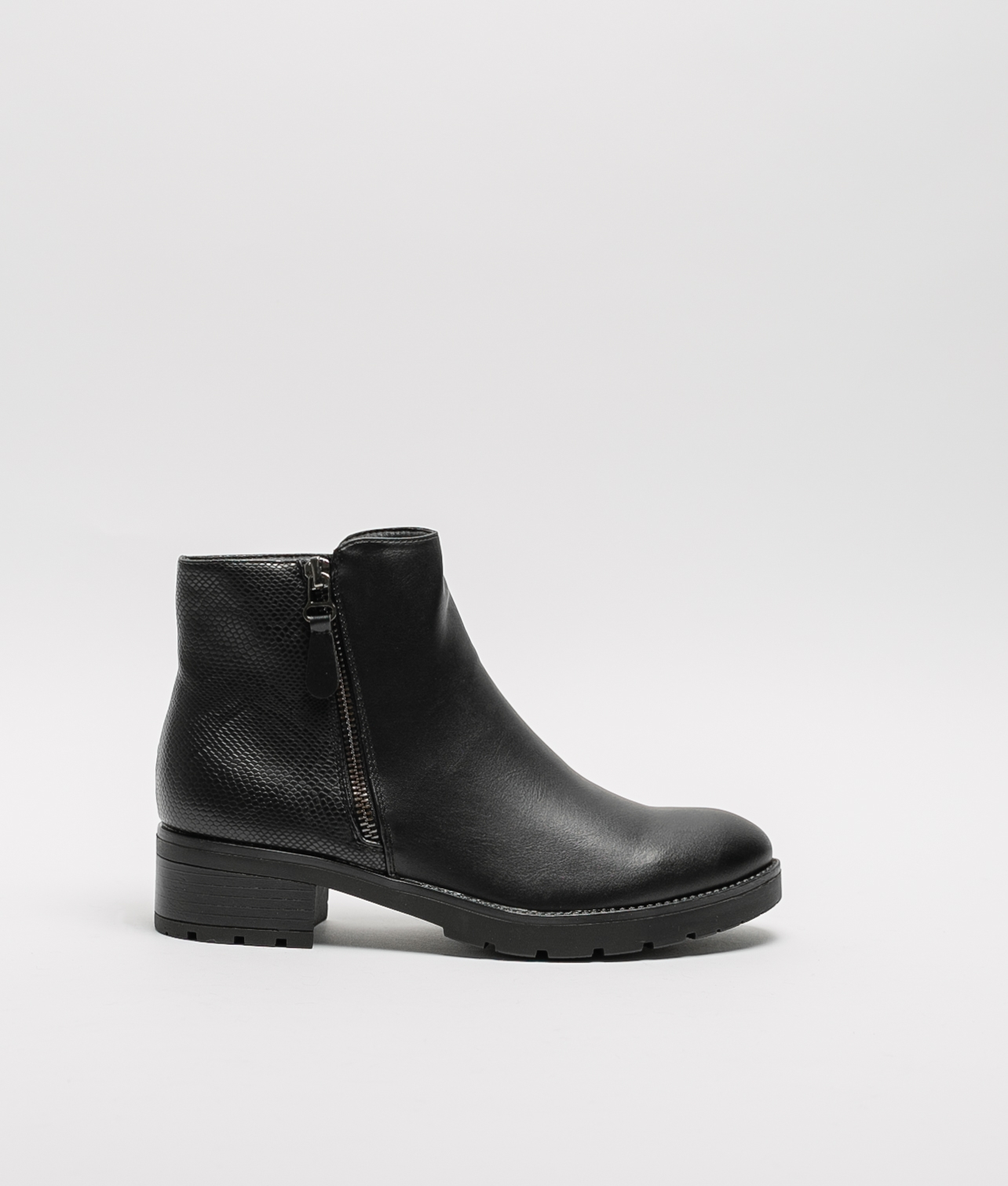 Sand Low Boot - Black