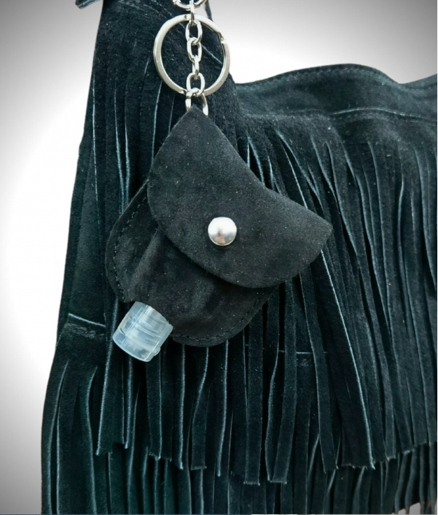 Gel-carrying leather keychain - black