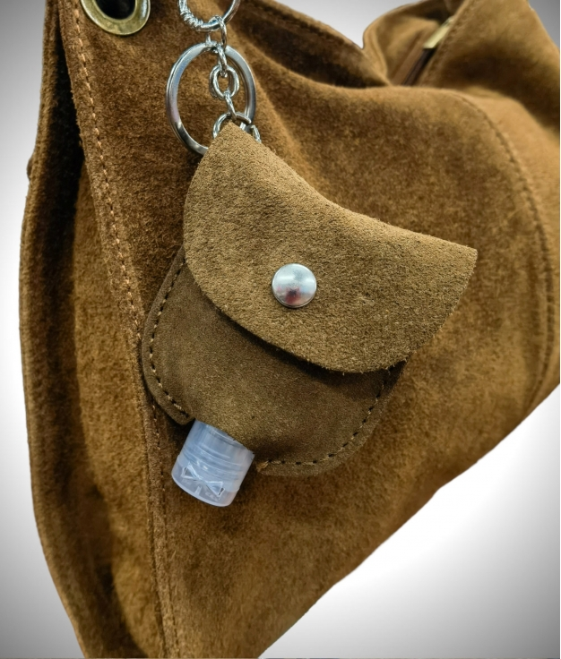 Gel-carrying leather keychain - camel