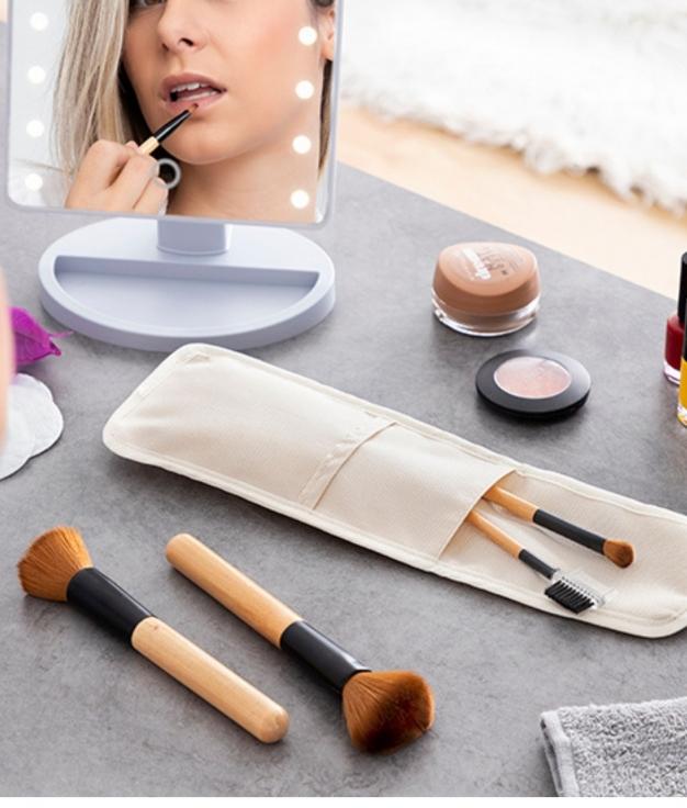 Set de Brochas de Maquillaje de Madera con Funda de Transporte Miset