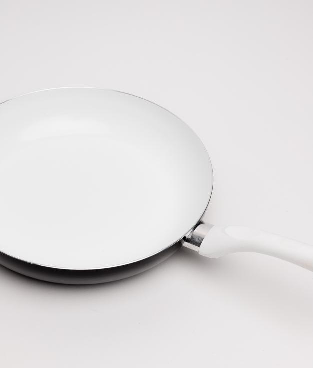 SARTÉN CUNI - WHITE/BLACK 28X5,5 CM