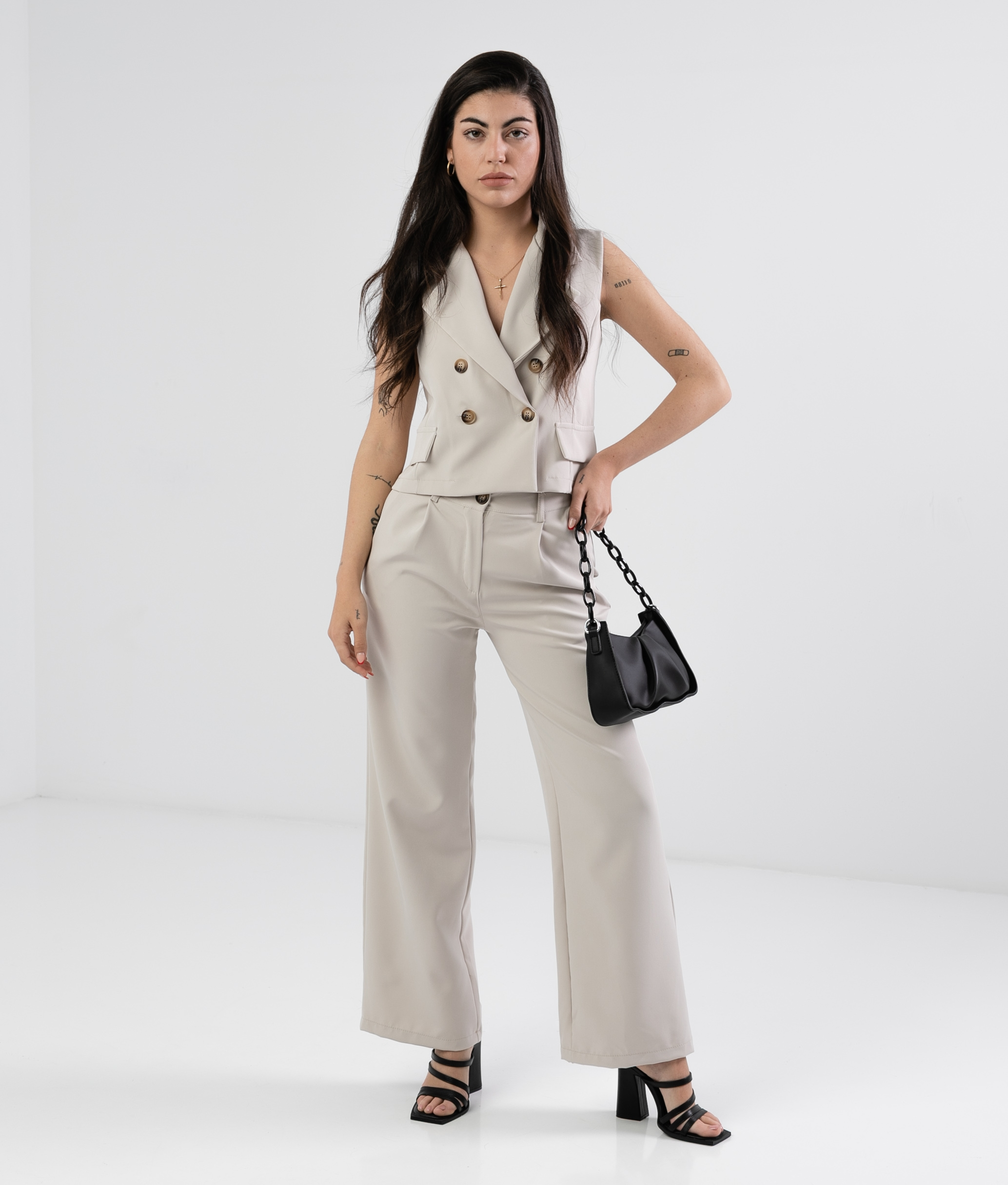 OUTFIT OBEQUI - BEIGE