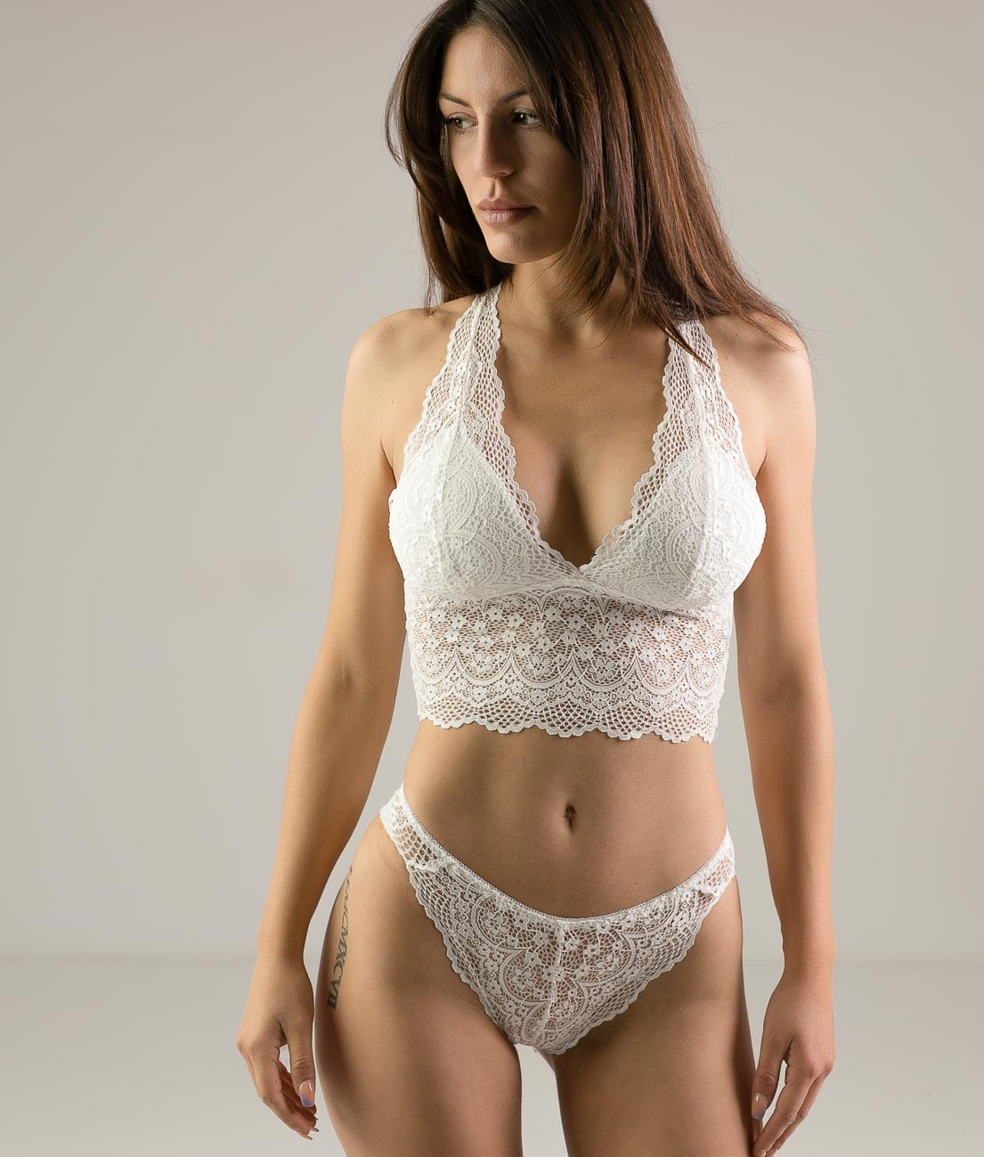 OUTFIT INCIFER - WHITE