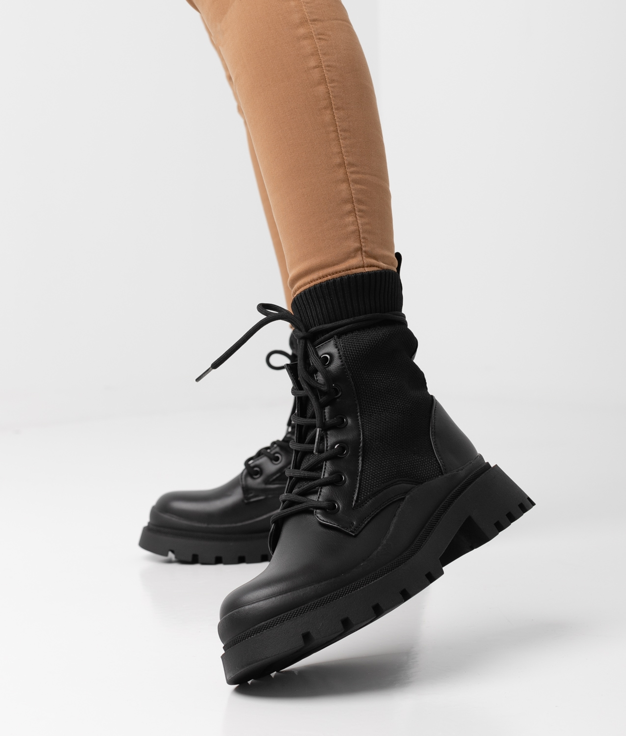 OPONO BOOT - BLACK